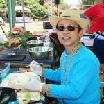 Thailändischer Gemüseschnitzer erstellt filigrane Kunstwerke