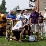 Sonntag vormittag: traditioneller Jazz-Weißwurstfrühschoppen mit der Jean Baptistes Jug Band